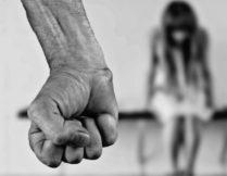 Więcej o: Przewodnik dla osób doświadczających przemocy domowej